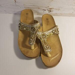 White Mountain slip on sandals